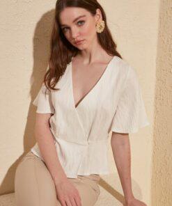 TRENDYOLMİLLA Beyaz Yaka Detaylı Bluz TWOSS20BZ0554