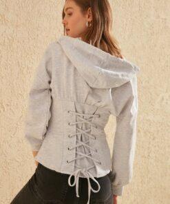 TRENDYOLMİLLA Gri Bağlama Detaylı Kapüşonlu Örme Sweatshirt TWOSS20SW0131