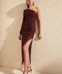 TRENDYOLMİLLA Bordo Yırtmaç Detaylı Dantel Elbise TPRSS20EL0733