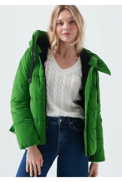 Mavi Kadın Yeşil Kapüşonlu Mont