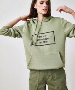 TRENDYOLMİLLA Mint Baskılı ve Kapüşonlu Kanguru Cepli Sweatshirt TWOAW21SW1431