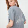 TRENDYOLMİLLA Gri Sırt Baskılı Boyfriend Örme T-Shirt TWOSS20TS1012